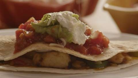 Chicken Quesadillas Allrecipes.comChicken Recipe, Pleasure Recipe, Maine Dishes, Yummy Food, Allrecipes Com Videos, Puree Pleasure, Quesadillas Allrecipes Com, Chicken Quesadillas, Favorite Recipe