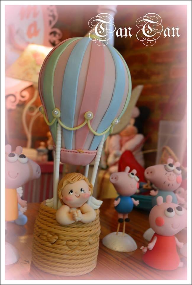 Angelito en globo aerostático.