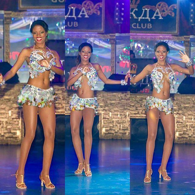#танцевать#lovedance#ilovedance#танцуем#танцивать#люблютанцеать#латина#латиноамериканскиетанцы#самба#dance#danceismylive#девушка#танцы#танцев#bailarina#bailarinas#baile#sambadancer#amobailar#yoamobailar#moscowdance#moscowdancers#moscow#chicas@danceshow_miss_alegria#bailaresvida@maylili93#habana#cuba#cubandancer#cubamoscow# by maylili93