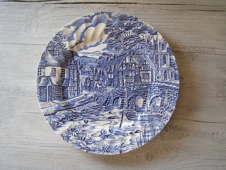 STAFFORDSHIRE wall plate, Vintage Alfred Meakin plate, made in England.