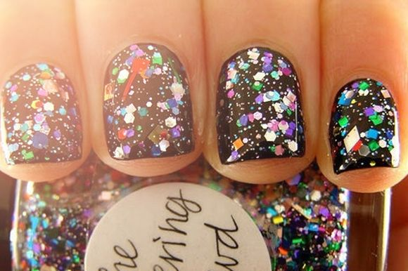 glitter on black polishNails Art, Nailsart, Sparkle Nails, Black Nails, Glitter Nails, Parties Nails, Nails Polish, New Years, Sparkly Nails