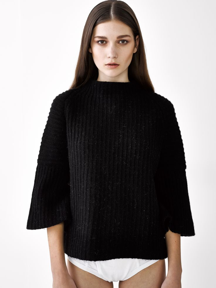 Sarah Sweater / Black