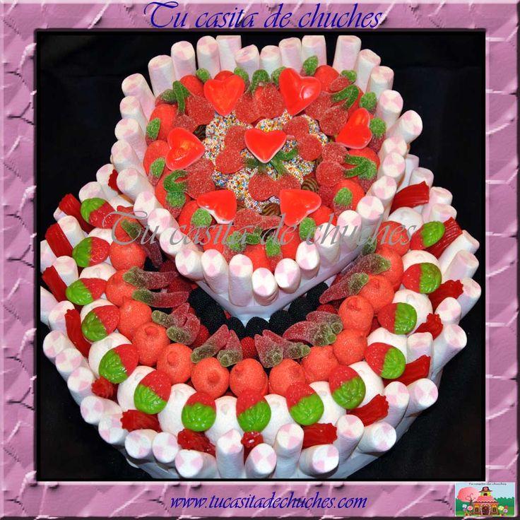 Preciosa y deliciosa tarta de chuches, perfecta para sorprender en bodas, aniversario o cualquier dia que quieras convertir en especial. Te esperamos en www.tucasitadechuches.com