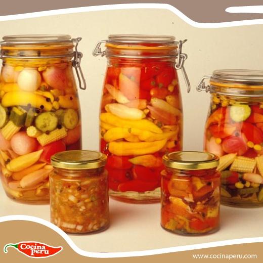 ¿Te encantan los encurtidos pero no sabes como prepararlos? Aquí te dejamos todos los pasos que debes seguir http://www.cocinaperu.com/entradas/encurtidos