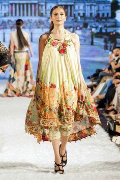 Al Zohaib Textile Pakistan Fashion Week 9 London Dresses collection 2016 Pictures