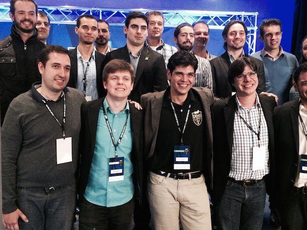 """O tempo chuvoso não tirou o entusiasmo dos jovens empreendedores brasileiros em """"Start-up Brasil Demo Day""""..."""