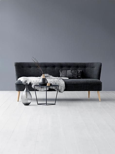 Die graue Wand - alles andere als langweilig!: Klassisch: Grau, Schwarz & Weiß kombinieren | LIVING AT HOME