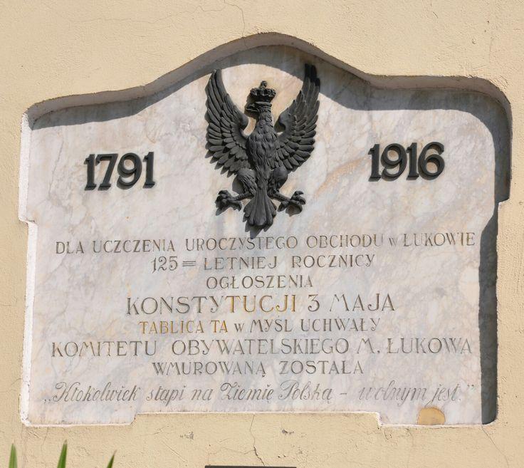 Tablica upamiętniająca 125 rocznicę ogłoszenia Konstytucji 3 maja.