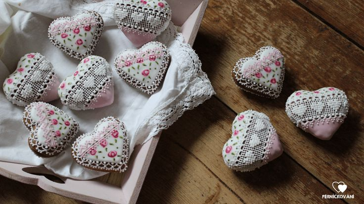 3D srdíčka růžová / cookies from love / needlepoint cookies