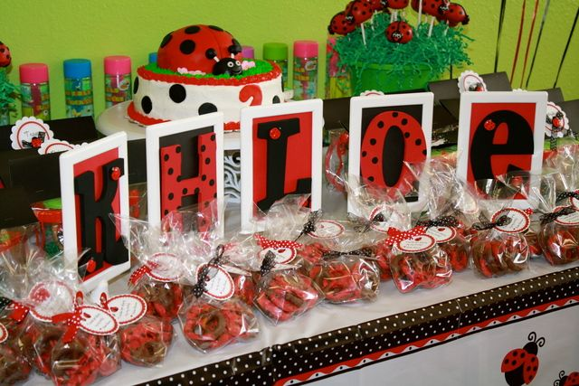 Pretzel ladybug favors at a Ladybug Party #ladybugparty #favors