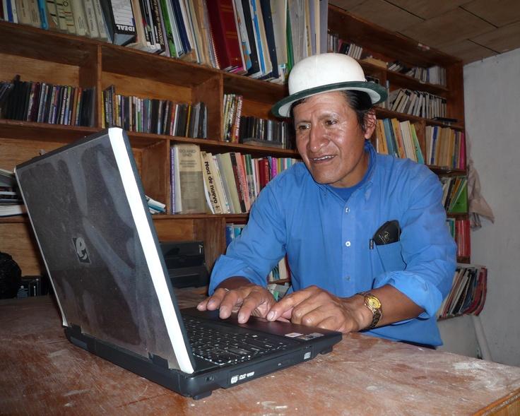 Translating the Bible into Quichua Canar, Bible Societies in Ecuador.  /// Traduciendo la Biblia al idioma Quichua Canar, Sociedades Bíblicas en el Ecuador.