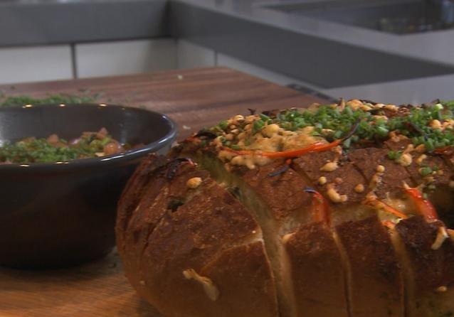 Uiensoep met kaas brood (30min). Recept van 30-11-2016 uit Binneste Buiten.
