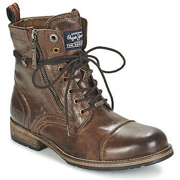 Parce que la mode n'attend pas, on se rue illico presto sur cette paire de boots Pepe jeans ! Son esthétique naturelle passe en premier lieu par une tige en . Sa semelle extérieure en caoutchouc résistant la rend particulièrement confortable. A porter sans modération aucune, cela va de soi ! - Couleur : Tan - Chaussures Homme 155,00 €