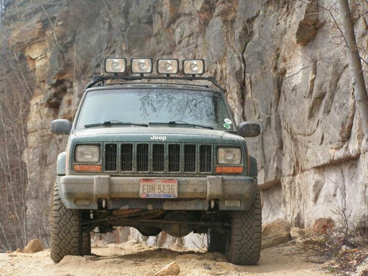 2001 Jeep XJ. 3in lift. 31in Goodyear Duratracs.