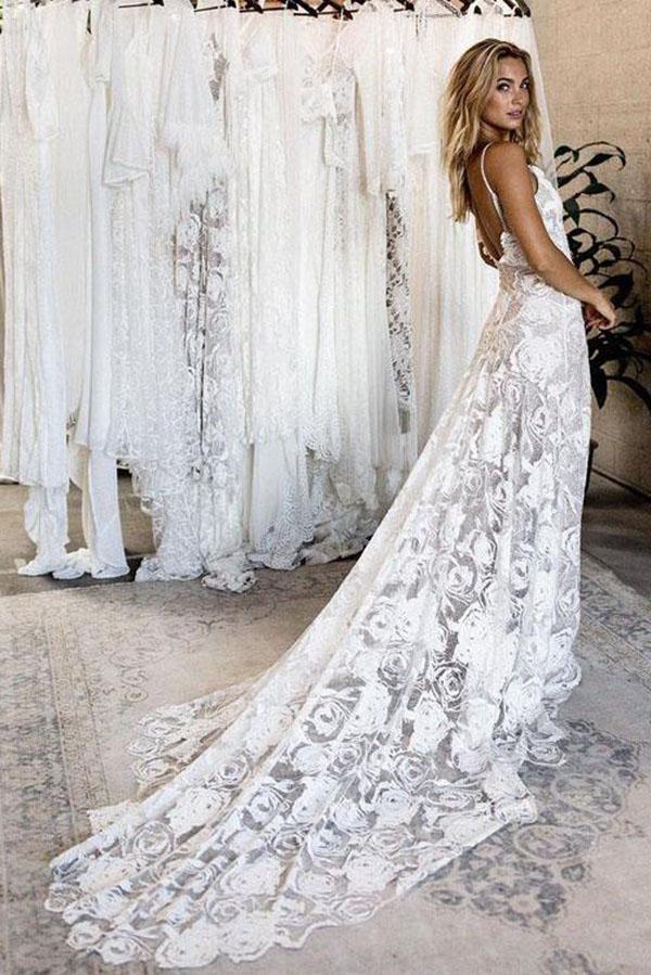 Summer Lace Backless Sexy Simple V Neck Ivory Spaghetti Straps Beach  Wedding Dresses uk PH826 1565ca4f89b0