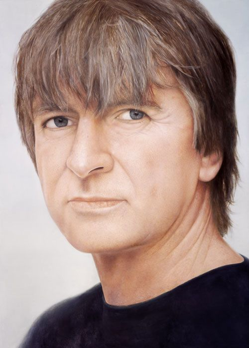 As the frontman for Crowded House and, before that, Split Enz – the band formed by his brother Tim in which he rose to prominence – Neil Finn is one of New Zealand's leading singer/songwriters. He has also recorded two solo albums and two albums with Tim under the moniker of the Finn Brothers.