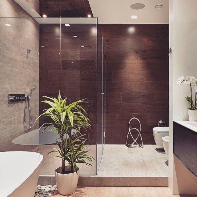 """217 Likes, 6 Comments - Arquitetura e Interiores (@meiramartins) on Instagram: """"Um banheiro lindo com acabamento impecável...na parede ao fundo uma amostra de como o Porcelanato…"""""""