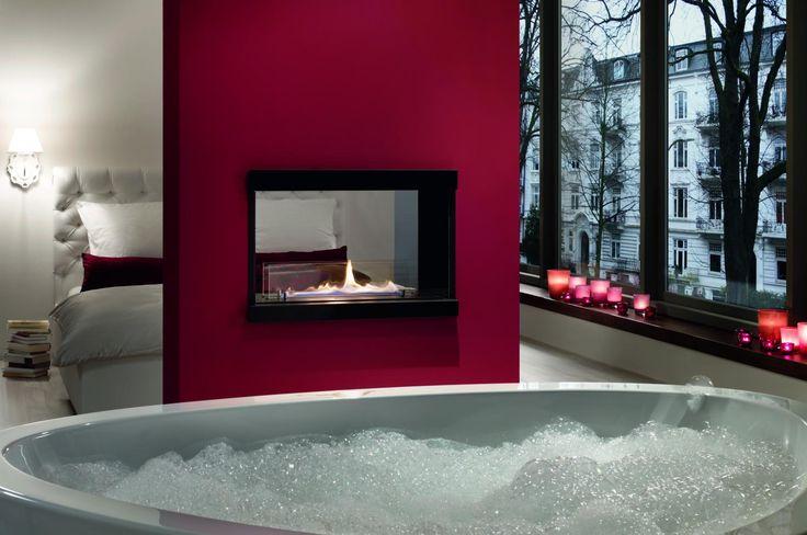 Espacios que inspiran, chimenea de bioetanol en un dormitorio principal #dormitorio #baño #chimenea #reforma #diseño #interiores #decoracion #bioetanol #mainroom