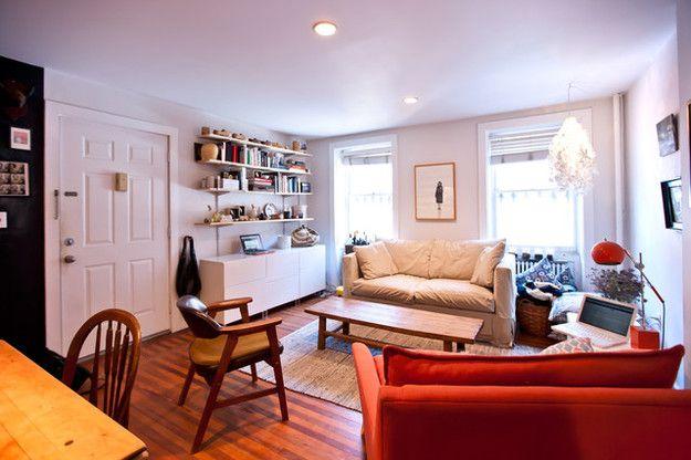 Фотография: Гостиная в стиле Скандинавский, Интерьер комнат, маленькая гостиная, идеи для гостиной, как выбрать мебель для маленькой гостиной, как визуально увеличить маленькую комнату, идеи декора маленького пространства – фото на InMyRoom.ru