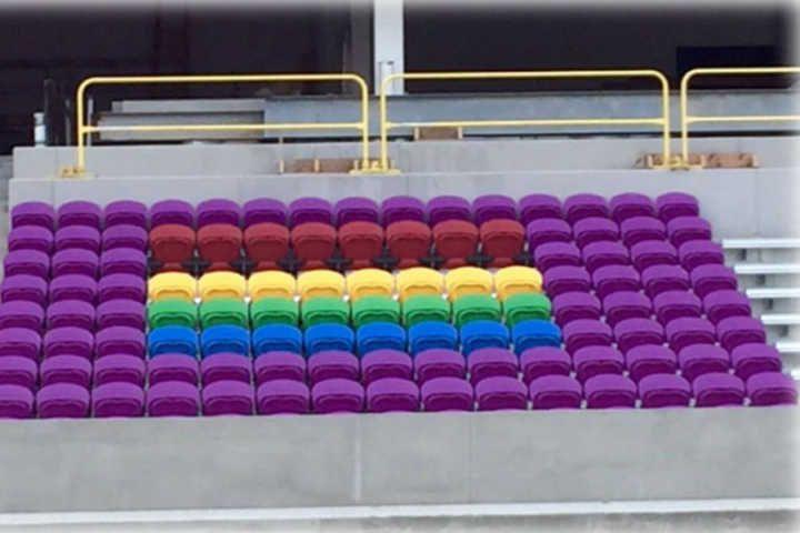 Cadeiras LGBT no Orlando City homenageiam vítimas da Boate Pulse #timbeta #sdv #betaajudabeta