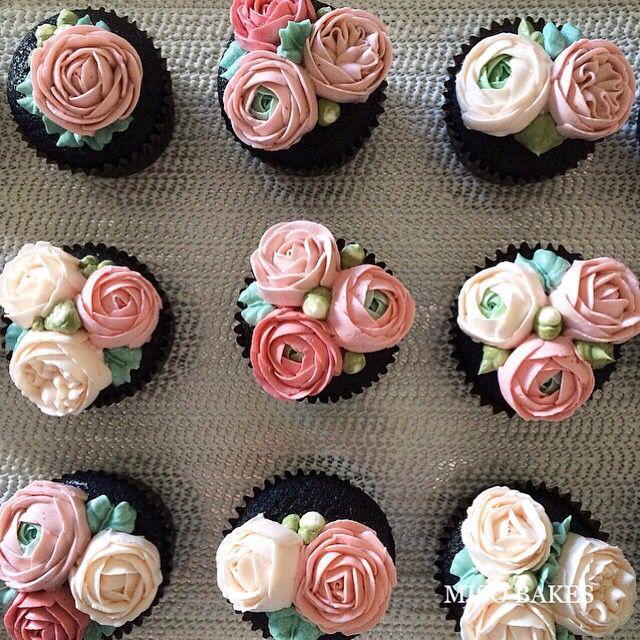 Miso Bakes | Buttercream floral cupcakes.