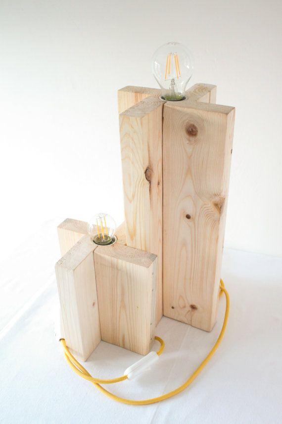 Lampade da tavolo cavo giallo. Eco-lampada. Upcycling design.