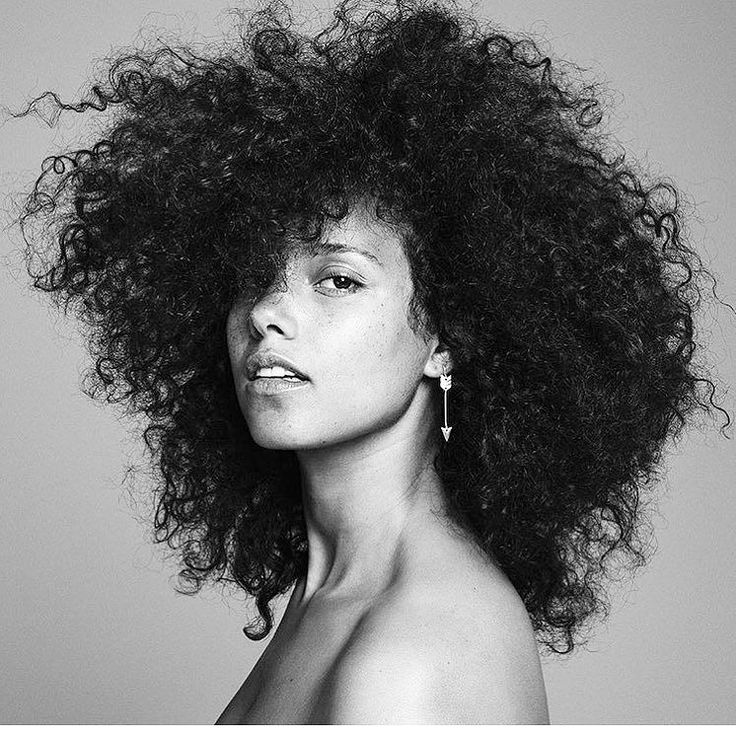 """""""I'm finally here; I'm finally present. In my own skin..."""" Happy birthday @aliciakeys. We see you and you are magnificent. #wcw    #happybirthday #aliciakeys #muse #shero #girlpower #herstory #loveyourself #loveyourbody #beyourself #beyoutiful #selflovemovement #selfworth #selfawareness #thefutureisfemale #naturalbeauty #allnatural #nomakeup #bareface #beauty #selflove thanks for the heads up @illpenyouapoem  #lovemytribe"""