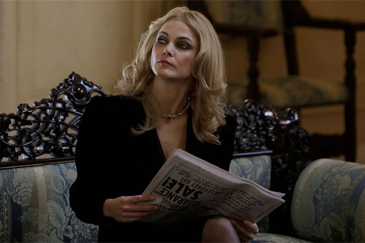"Keri Russell as undercover Soviet spy Elizabeth Jennings on ""The Americans."" Photo: FX"