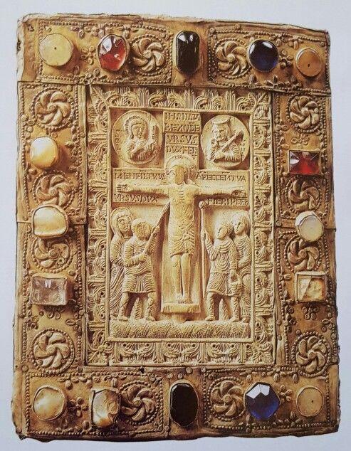 Pace del duca Orso VIII secolo.  oreficeria lombarda  Cividale del Friuli  Museo Archeologico