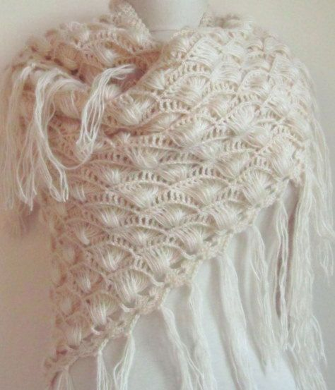 Crochet shawl, broomstick lace