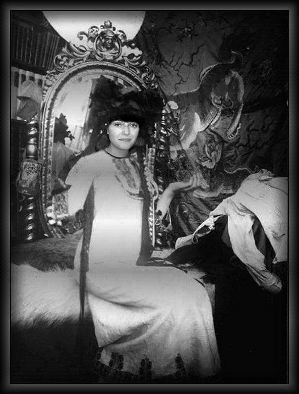 Lady Lada Mucha