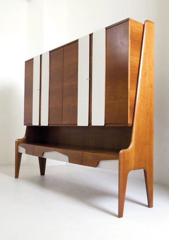 KAGADATO selection. The best in the world. Wood cabinets. **************************************GIO PONTI Una credenza, anni '60. : Lot 2062