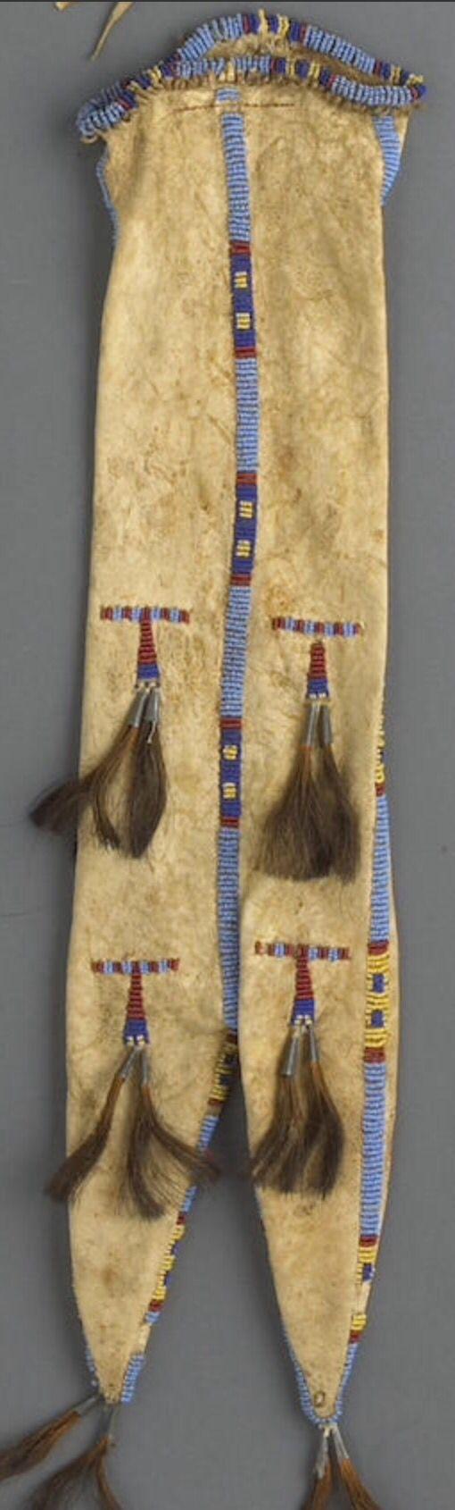 Сумка для табака, Сиу. Portland Art Museum, Портленд, Орегон. Впоследствии в собственности Museum Acquisition Fund. Bonhams, декабрь 2010.