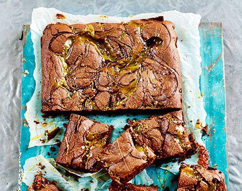 Брауни шоколадный с соленой карамелью  Все любят брауни шоколадный! Но любят ли все брауни с соленой карамелью – это вопрос. Ответ можно узнать, только попробовав такой брауни!