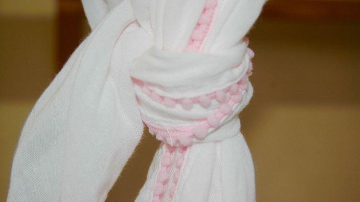 Muslin Receiving Blanket / Pom Pom Trim – Sons & Daughters