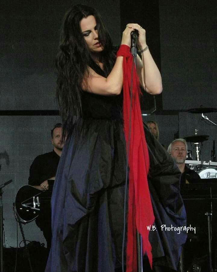 Pin By Murielle On Evanescence Amy Lee Evanescence Amy Lee Amy
