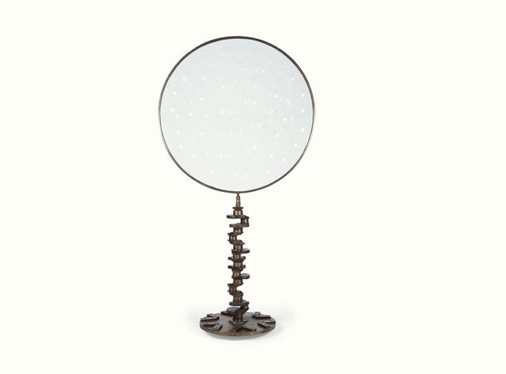 Magiscopio, pieza de Doble O Joyerías - Objeto #decorativo ensamblado con diversas piezas automotrices y cristal de 1m. de diámetro.