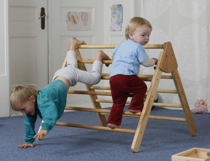 Cuidado infantil: Emmi Pickler a la vena. Para saber mucho más sobre bienestar y salud infantil visita www.solerplanet.com