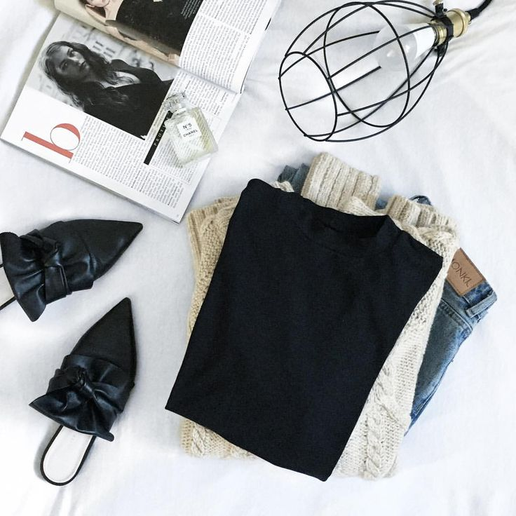 thanks @ps.shadesofmylife for this great style inspo #funktionschnitt #wearthedifference #flatlay #autumstyle #fairfashion #slowfashion #style #styleinspo #womensfashion #essentials #basics #blacktee