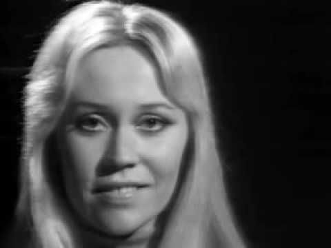 I'd never seen this video before (I'd seen them perform this song for TV) and I was a HUGE fan in the 70's Abba - Hasta Mañana (1974)