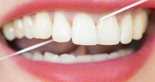Desde pequenos, aprendemos que usar fio dental é tão importante quanto escovar os dentes e que...