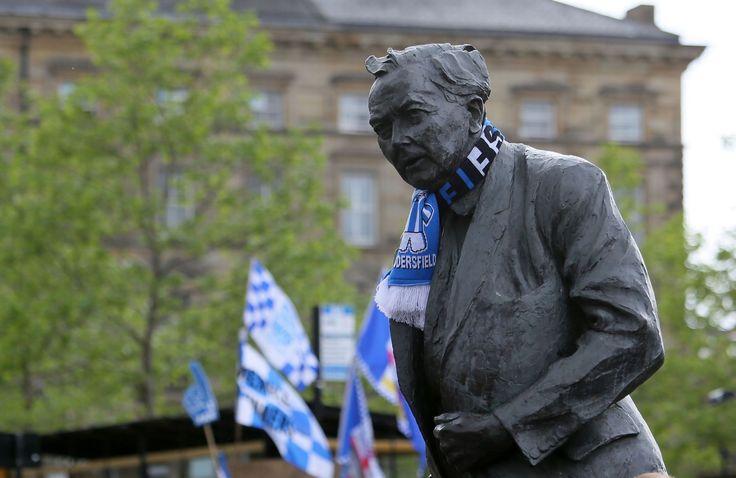 Harold Wilson Statue Huddersfield town centre