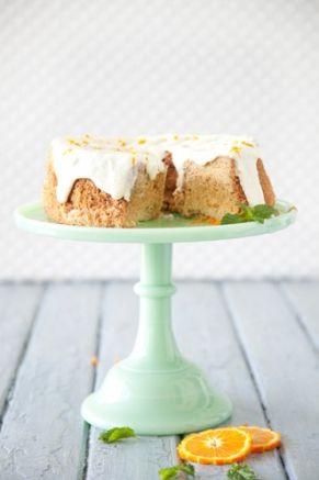 Paula Deen Sunny's Sunshine Cake Love the cake plate!