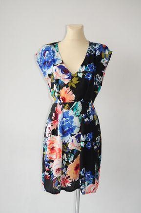 c0f3789265 Sukienka czarna w kwiaty r. 38 - H amp M - vinted.pl