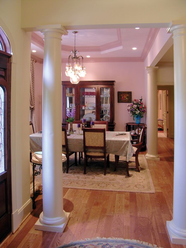 Dressell ranch home pink columns and pink dining rooms for Dining room designs with pillars