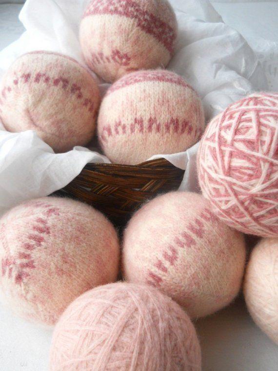 Wij zijn trots op de handcrafting van elke één van onze droger ballen uit voorzien wollen truien. Een heleboel tijd en zorg gaat in elkaar. Wij zijn geweest using wol droger ballen voor enkele jaren. Mijn zus en ik zijn beiden gevoelig voor geuren. Soms gewoon het flauw zoete flora parfum is genoeg om een migraine trigger. Onze wol droger ballen zijn een grote natuurlijke alternatief voor geparfumeerde vloeibare of wegwerp stof droger vellen. Vooral omdat bijna elke Wasserij product daar zo…