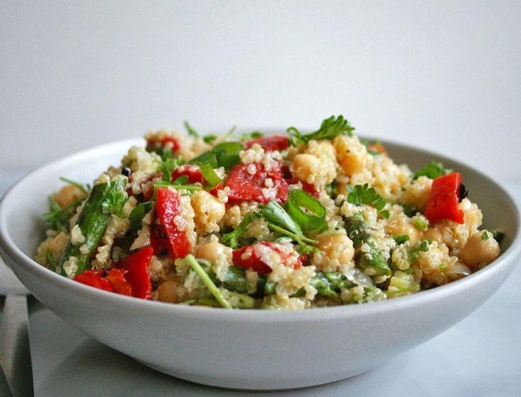 Πείνασες; Φτιάξε μια σαλάτα με κινόα και πιπεριές | Follow Me