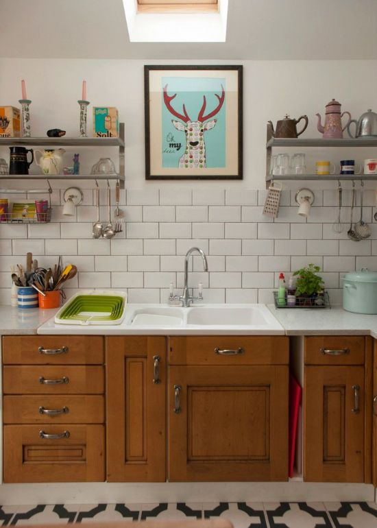 This beautiful kitchen is sourced secondhand from Gumtree!
