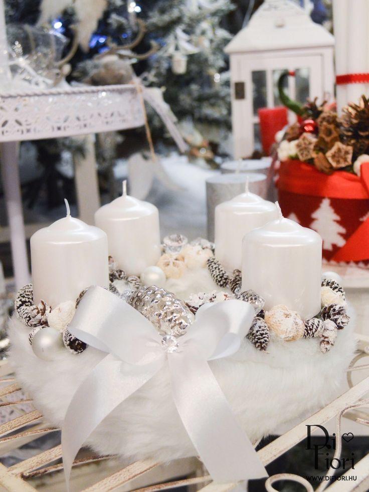 White Christmas wreath, table decoration / Fehér adventi koszorú