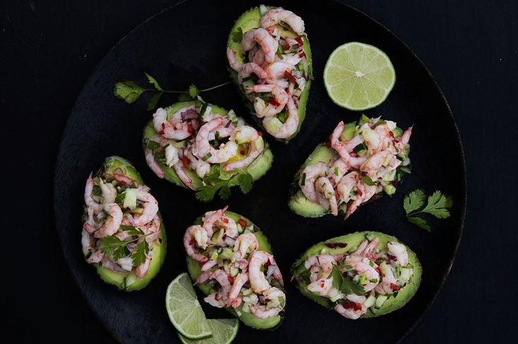 <em><strong>Shrimp ceviche stuffed avocado recipe in english at the bottom of the page</strong></em>👇🏾...